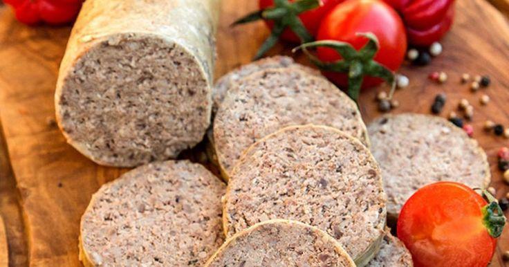 Românii gătesc multe mâncăruri tradiţionale în preajma sărbătorilor de iarnă, însă când vine vorba de lebăr, mai degrabă preferă să îl cumpere decât să îl pregătească. În realitate, preparatul nu este deloc greu de realizat.