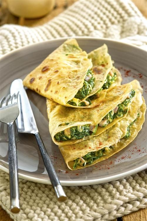 Crepes stuffed with spinach, sweet ham and white cheese - Recetas - Healthy Meals For Kids, Easy Meals, Healthy Recipes, Tortillas, Lunch Menu, Morning Food, Love Food, Meal Prep, Food And Drink