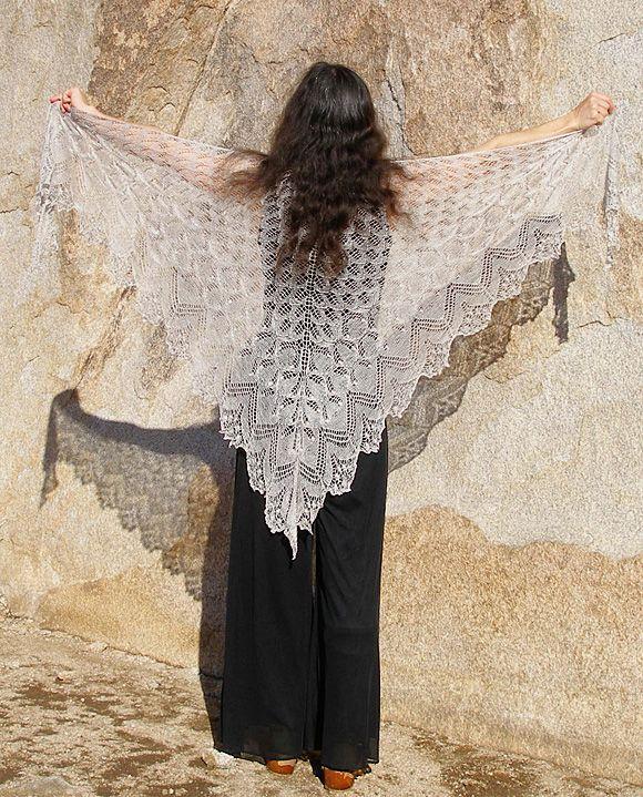 Вязаная спицами шаль Эолиан (Aeolian)