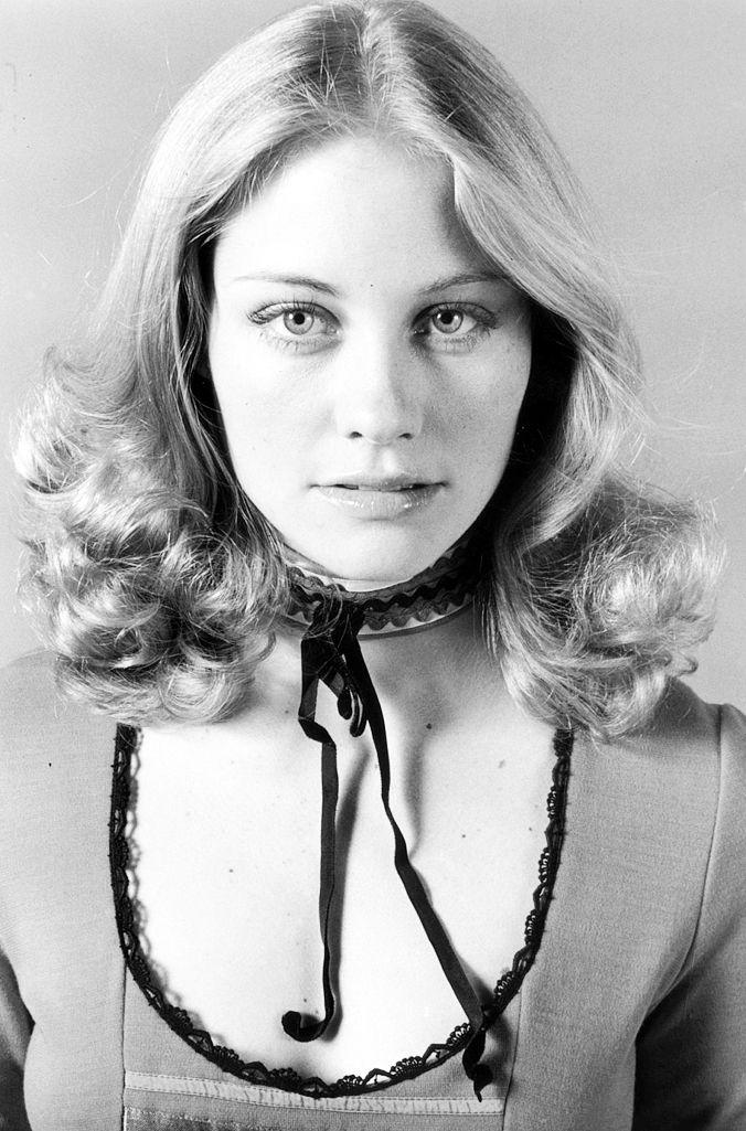 Cybill Shepherd, 1972 (via mudwerks,singeruk666)