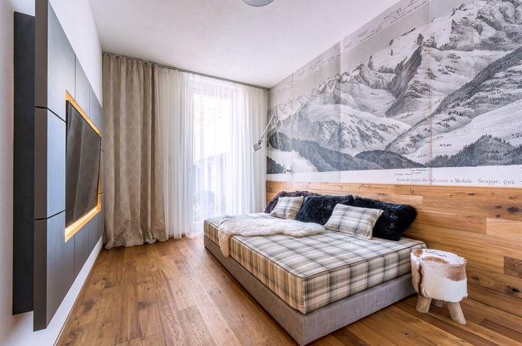 Televizní pokoj pojali architekti jako chalet.