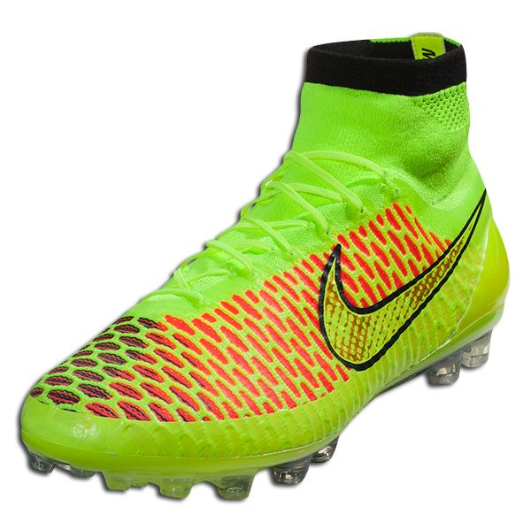 3423c3bd2896 Finally... soccer boots Nike Magista Obra AG - volt metallic gold coin
