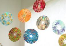 Mobile made of re-used CDs © Zo Zhou