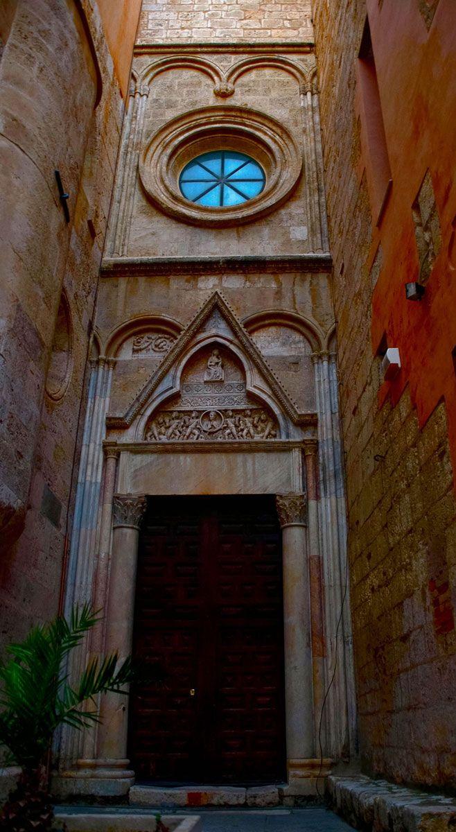 Transetto del Duomo di Cagliari (Duomo's transept), Sardinia - Italy