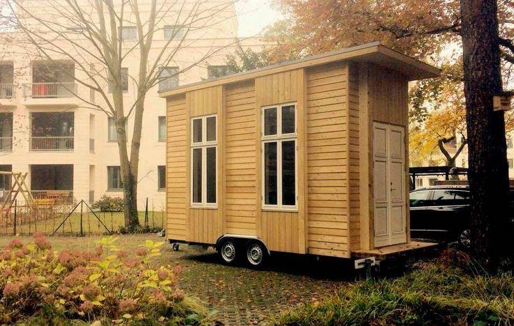 Die 100-Euro-Wohnung ist nicht nur ein Raumwunder, sondern auch mobil. Eigentlich ist aber vorgesehen, die Häuser an festen Standorten neben- und übereinander zu bauen. Foto: Van Bo Le-Mentzel / Tinyhouse University