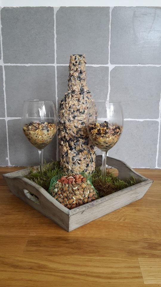 25 unieke idee n over wijnfles tuin op pinterest wijnfles snijden wijnflessen en wijnfles - Deco en de tuin ...