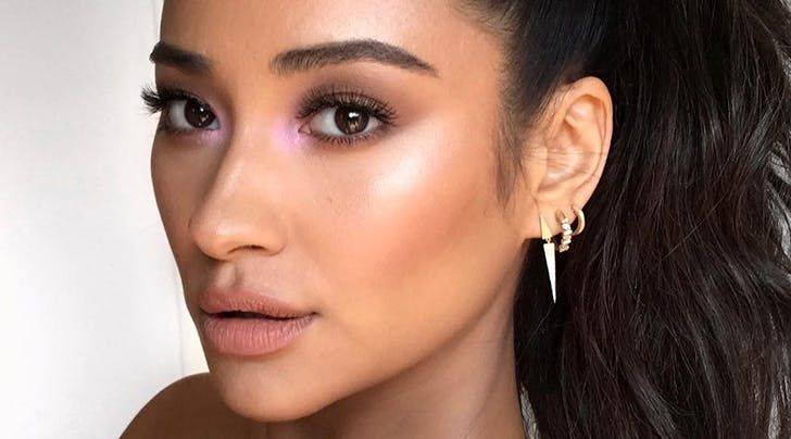 How To Wear Purple Highlighter The Surprisingly Subtle Next Big Thing In Beauty Purple Highlights Makeup Pegs Shay Mitchell Makeup