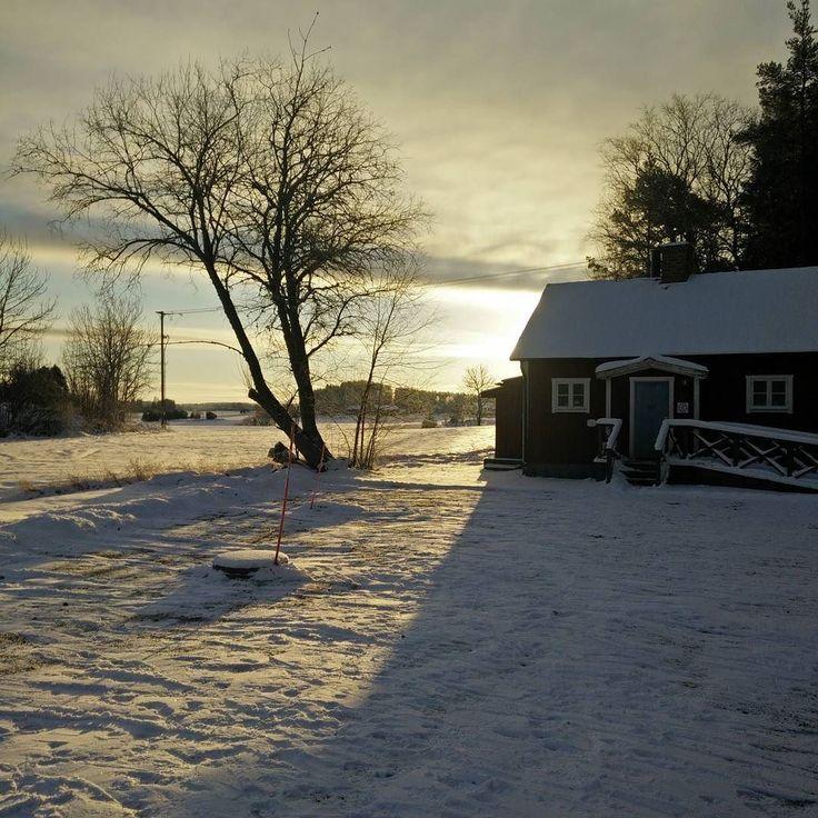 Värsta midvintern idag med 20 minus och mycket snö. Vad kan man värma sig med tro?