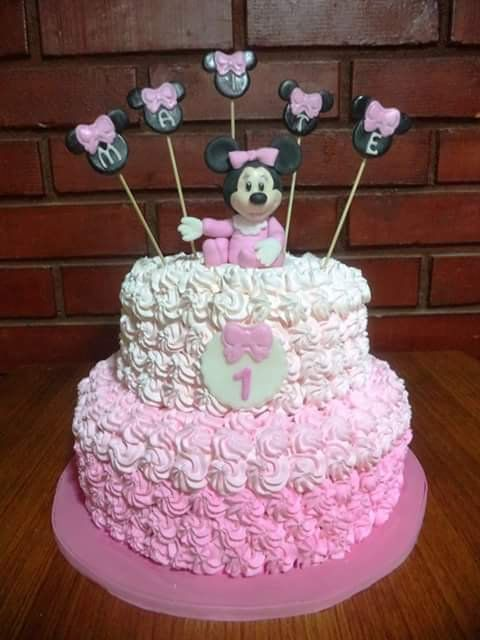 #MinnieMouse #Cream #cake by Volován Productos  #instacake #puq #Chile #VolovanProductos #Cakes #Cakestagram #SweetCake