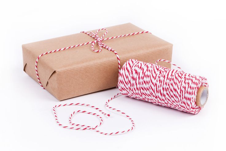 Simple, classic and easy to tie - this cotton Baker's Twine (RS53) looks perfect on plain kraft rollwrap (RW93)