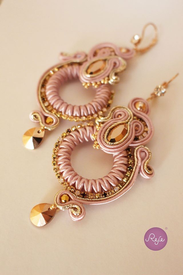 https://www.facebook.com/rejegioielliinsoutache/ ETSY SHOP: https://www.etsy.com/it/shop/Rejesoutache?ref=hdr_shop_menu