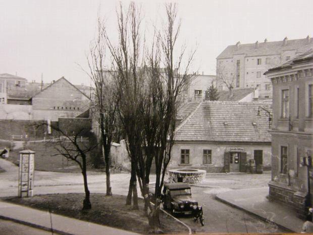 Komakút square in the 1950's