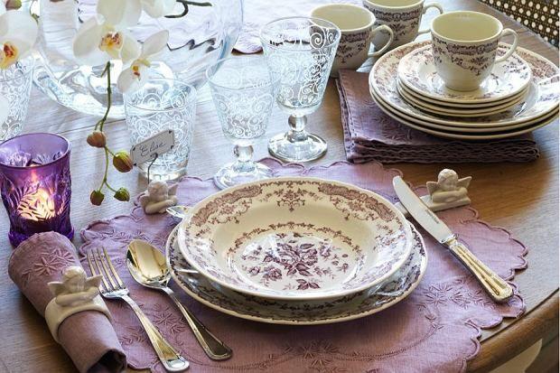 Zdjęcie numer 4 w galerii - Tradycyjne nakrycie stołu. Jak przygotować stół na święta?