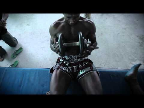 Muay Thay Training - Buakaw Por Pramuk Yokkao Boxing - TRAINING - 2011 - YouTube