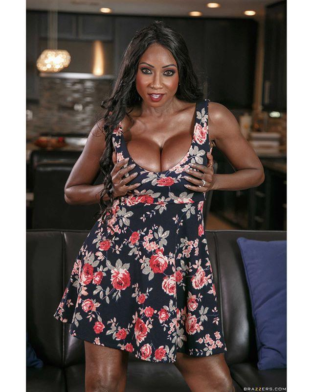 Simone Sonay Diamond Jackson