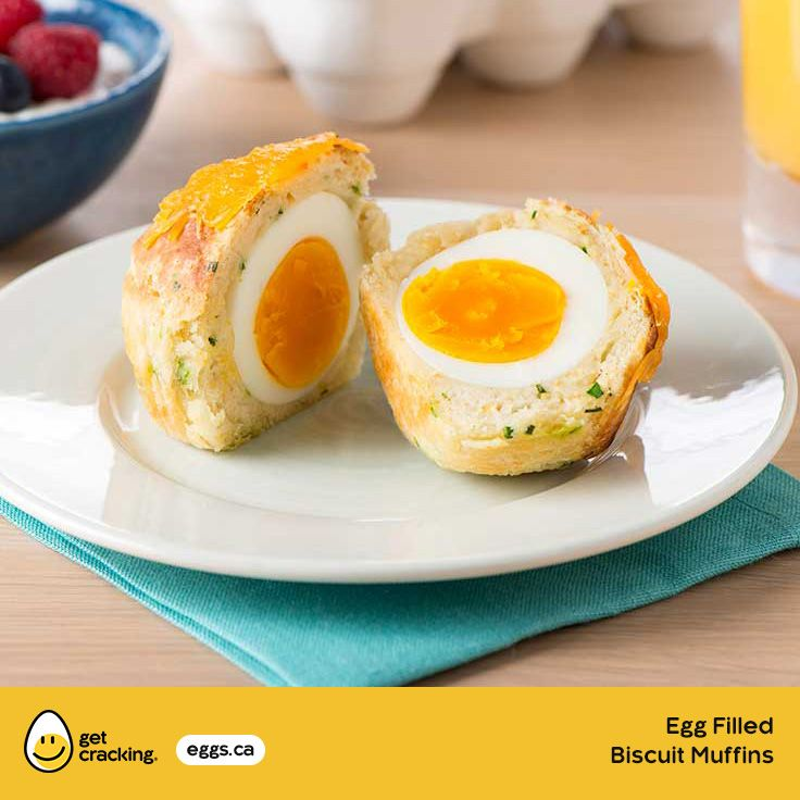 Egg Filled Biscuit Muffins | Eggs.ca | #GetCracking #Eggs #Picnic