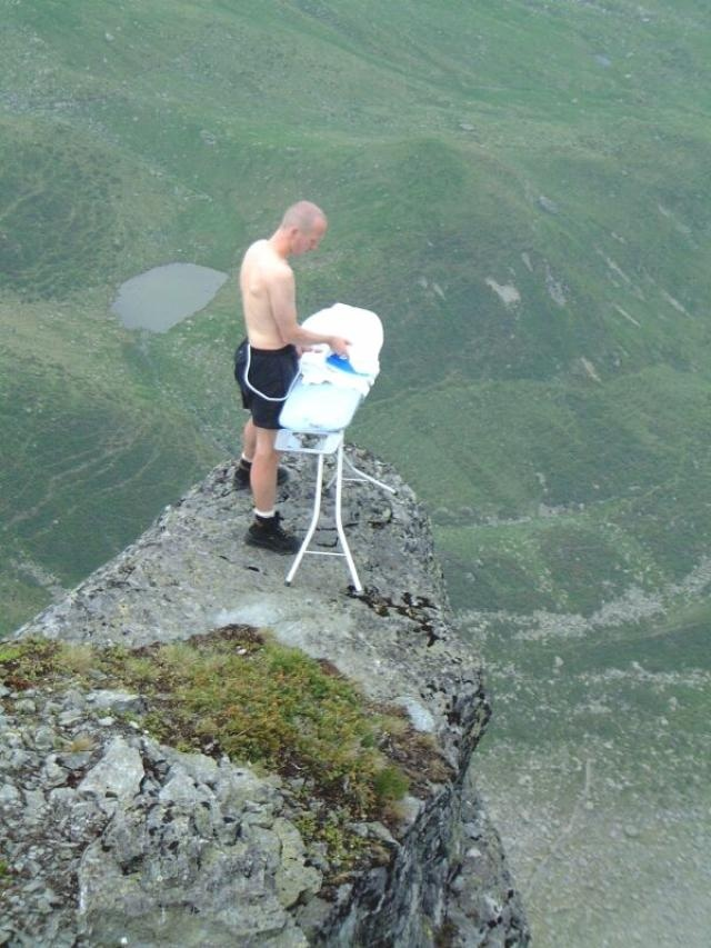 extreme ironing (planchar en lugares extremos)