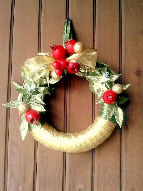 Świąteczne dekoracje. Wieniec na drzwi, choinka , bałwanki | Szysia