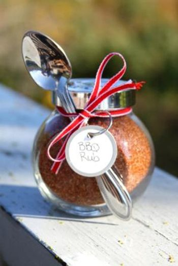 Homemade barbeque rub in a glass jar with ribbon makes a great DIY gift for that special grillmaster in your life :)