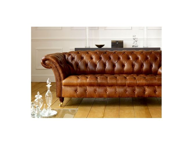 Kensington Sofa. Brown leather leaves you with so many options!