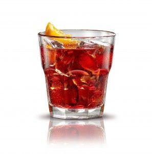 Het Negroni cocktail recept is een populair Italiaans voorafje. De Negroni is ontstaan door de Soda in een Americano Cocktail te vervangen door gin, perfect