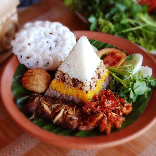 Nasi putih tutug oncom nasi kuning nasi merah
