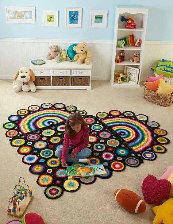 tapetes de crochê para quarto em formato de coração