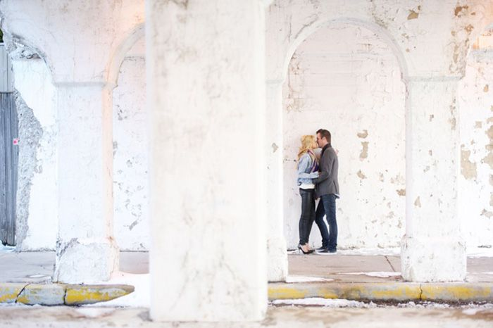 Gorgeous Winter Engagement Session in Chicago | Images by Jennifer Jackson Photography | Via Modernly Wed | 02