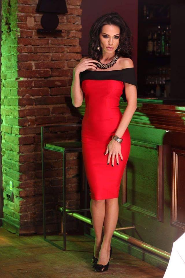 Fekete piros elegáns ruha!