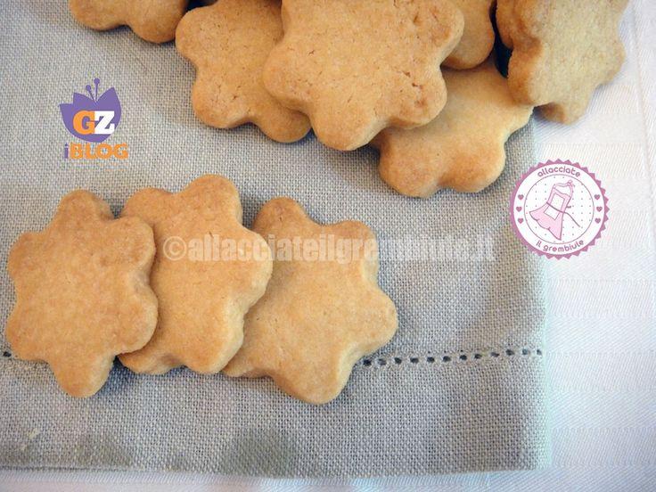 I biscotti sable al formaggio sono un antipasto veloce e molto elegante da offrire ai propri ospiti!