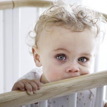 Cool  in Babybett Kinderbett FLEXA BABY Massivholz Schlupfsprossen xcm