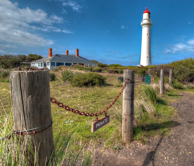 The Lighthouse in Victoria, Australia. (Yes, it was the lighthouse used for Round the Twist!) By Lucas_James.Lighthouses Shots, Call Round, Airey Inlet, Lighthouses Cottages, 90 S Call, Places, Lighthouses Keeper, Keeper Cottages, Hdr Photos