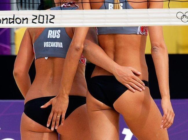 Les premiers matches du tournoi de beach-volley ont débuté sous le soleil samedi matin.
