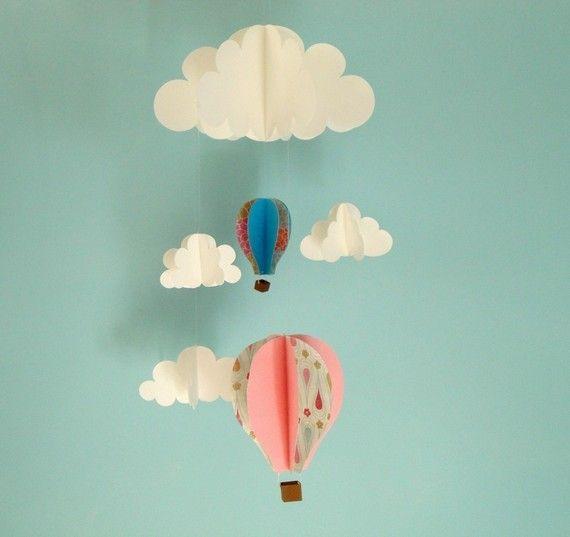 Globos de aire caliente y las nubes colgando bebé por goshandgolly, $48.00