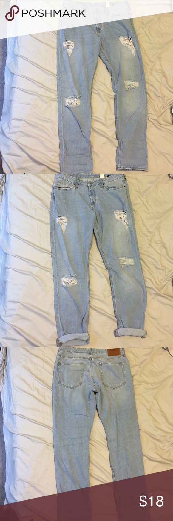 New H&M Ripped Boyfriend Jean New without tags denim boyfriend Jean with rips. Low waist tapered leg. H&M Jeans Boyfriend