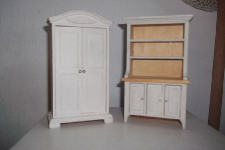 Meubles de poupee en bois patines armoire buffet for Meubles patines