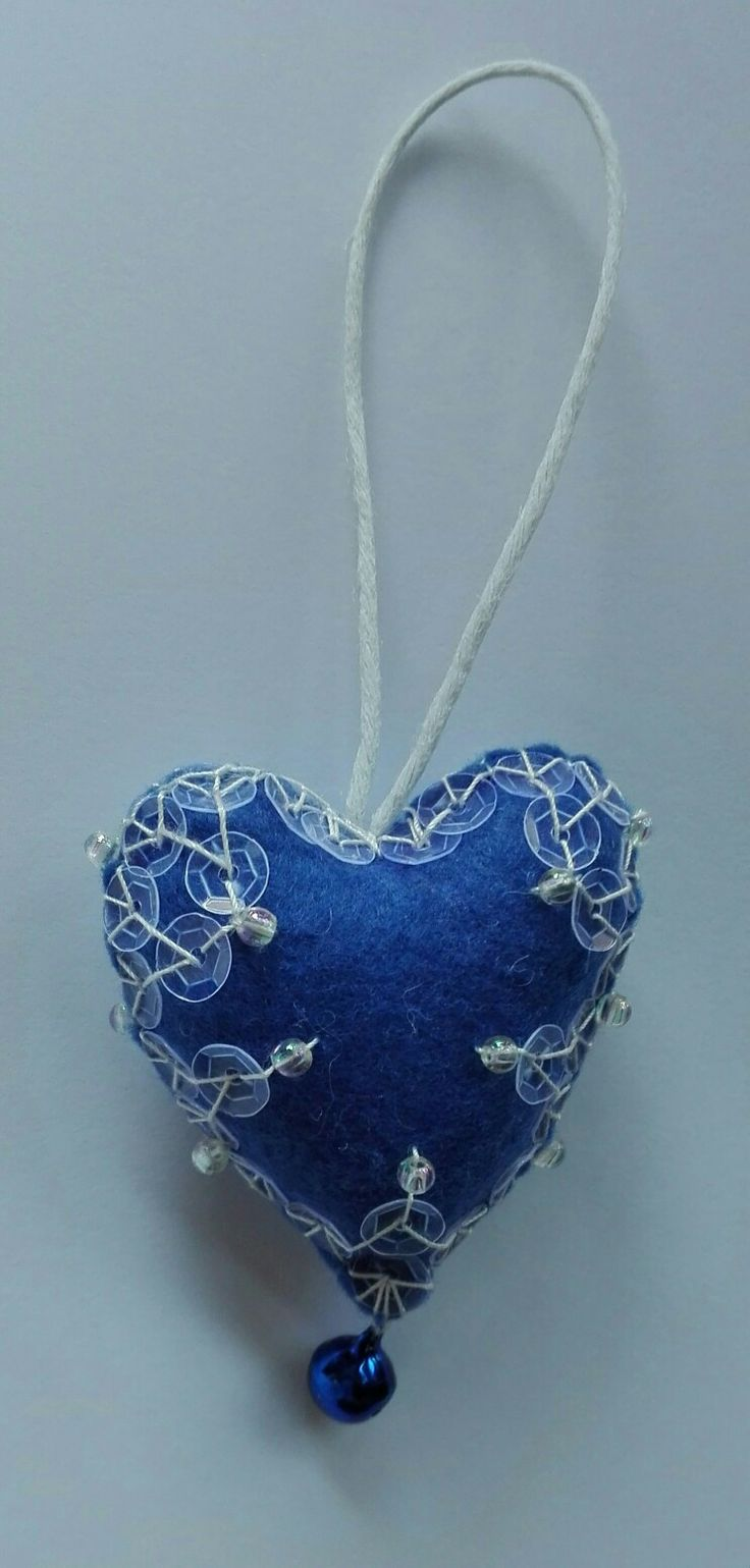 heart 2017 - handmade by mariarosa - BLUE felt, 1 bell, 16 BEADS and paillettes.