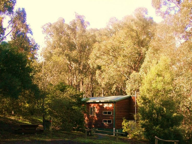 Hidden Valley Cabins, www.OzeHols.com.au/10430 Holiday Accommodation in beautiful Lorne in Great Ocean Road, Victoria. #VisitVictoria #VisitVic #LorneHolidays @OzeHols - Holiday Accommodation