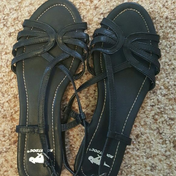 Sandals Rocketdog very comfortable worn maybe 2 times! Rocket Dog Shoes Sandals
