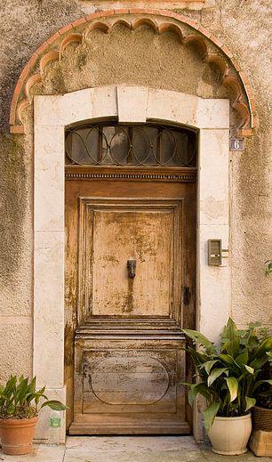 Detailed door Biot, France·