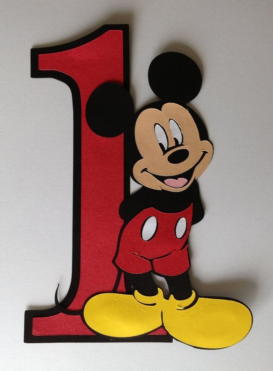 """8"""" Mickey mouse party decoration:"""