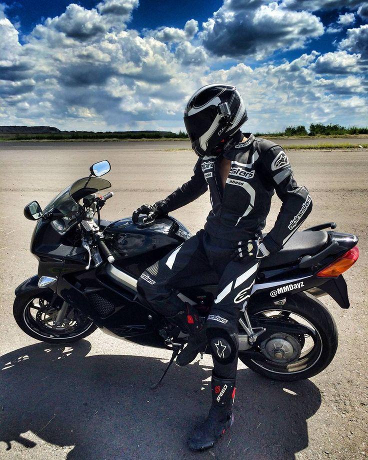 556 отметок «Нравится», 9 комментариев — Motorcycles