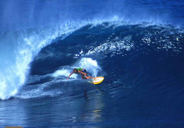 In big waves Simon Anderson looked no worse on a single fin.