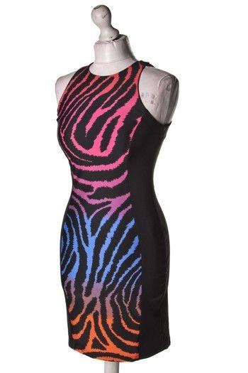 Wzorzysta #sukienka z czarnymi wstawkami z boku #Atmosphere #wzorcownia #dress