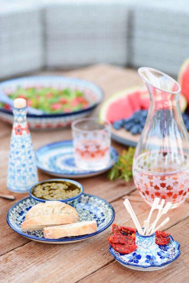 Bunzlau Castle || Violets #Polishpottery #pottery #tableware #home #bunzlau #BunzlauCastle #Stoneware #Bluekitchen #polishblue #Bunzlauservies #kitchen #textile #coffee #tea #teatime #dinner #blue #bake #baking #countrylife #bunzlaucastle #country #blue #blueandwhite #trendy #bohochic #home #handmade #tableware #violets