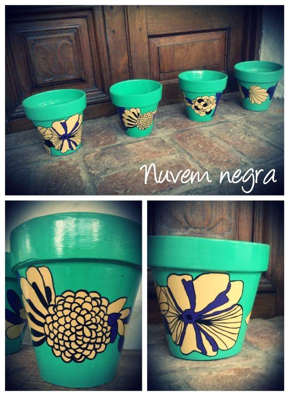 Macetas pintadas, $120 en http://ofeliafeliz.com.ar
