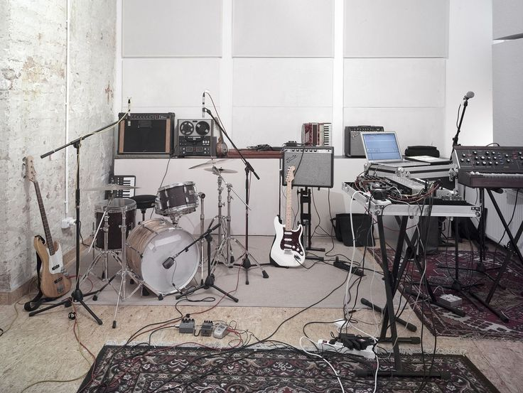 25 Best Ideas About Band Rooms On Pinterest Concert