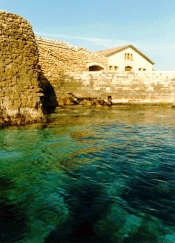 HiPuglia: Il Forte de Laclos a Taranto  http://www.hipuglia.com/2012/09/il-forte-de-laclos.html