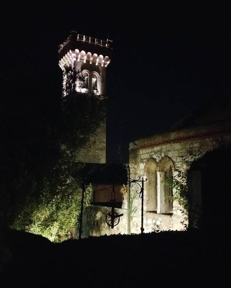 Walking in the night #citytower #night #contrast #lonato #torre #lucinellanotte #castle #borgoantico #castello #lombardia #lightinthenight #collinemoreniche by benacenses