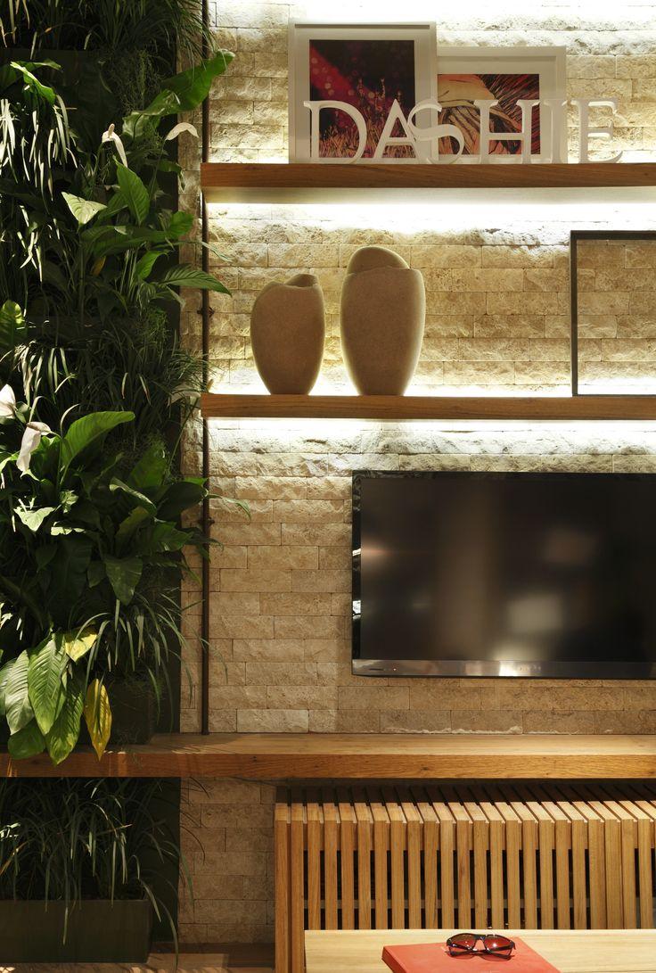 Casa Cor RJ 2012 - Estúdio da Estilista / Gabriela Eloy e Carolina Travaglini #hometheater #wall #green